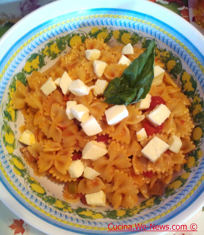 Pasta fredda con pomodorini e mozzarella primo piatto for Cucina facile ricette